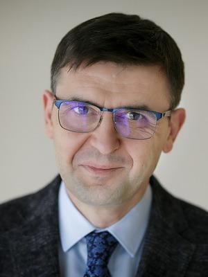 Ernest Kuchar