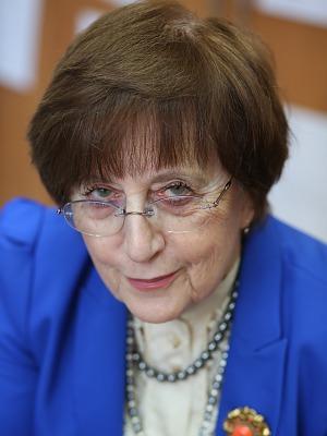 Lidia B. Brydak
